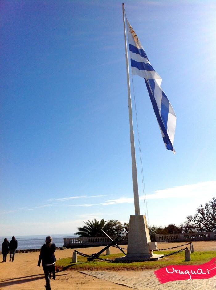 Bandeira do Uruguai em Colonia